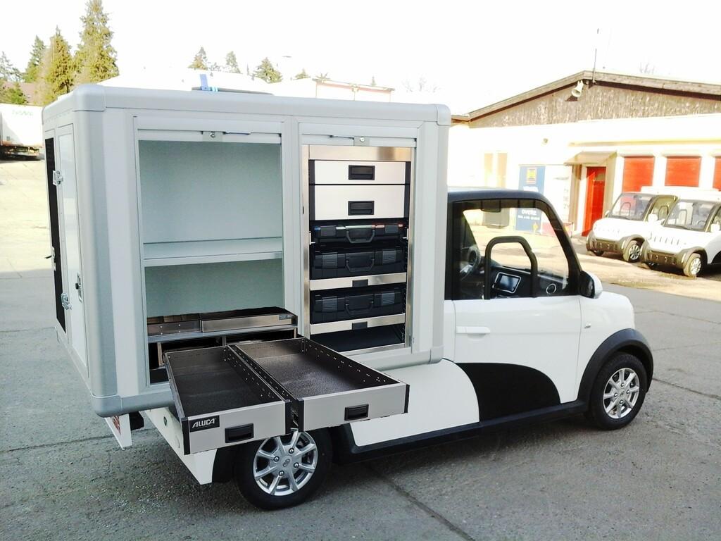 Ari 458 mit Schornsteinfeger-Koffer