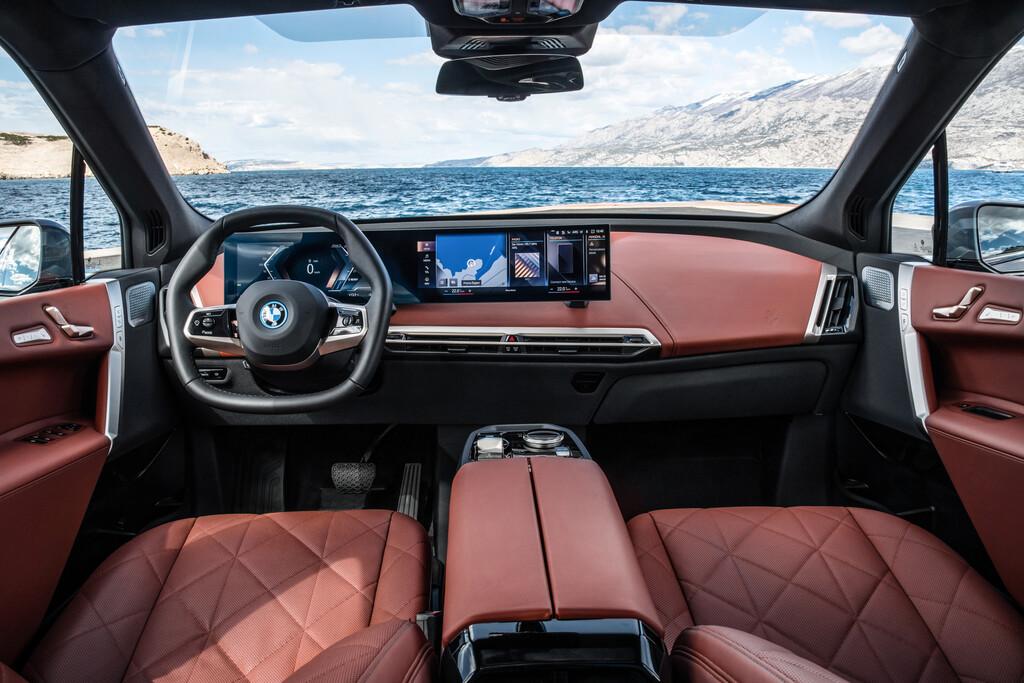 BMW iX x-Drive 50 innen